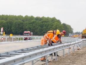 Rijkswaterstaat kiest voor circulaire zinken geleiderails